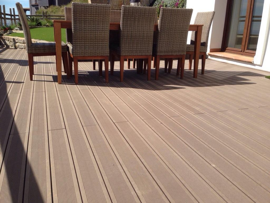 Decksystem tarima tecnol gica suelos composite para - Suelo para exterior ...