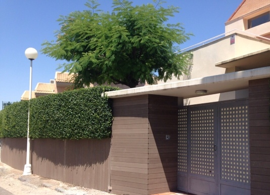 Fachadas ventiladas exteriores paredes madera sint tica - Tratamiento para madera de exterior ...