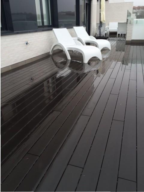 Terrazas y jardines para disfrutar con composite - Suelos de composite ...